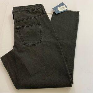 Universal Threads Size 6 Black Wash Straight Leg